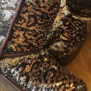 Beautiful Ugg leopard sequined boots
